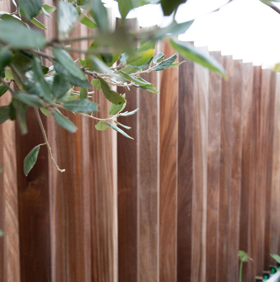 realisatie Neighbours Tropisch hardhout 2