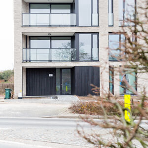 realisatie Woodface WR Ceder zwart geolied Appartementen Ronse 4